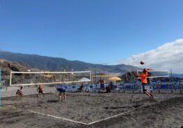Frodo-Sascha y Betsaida-Zaira, campeones  del Torneo de Vóley Playa Breña Baja Mágica