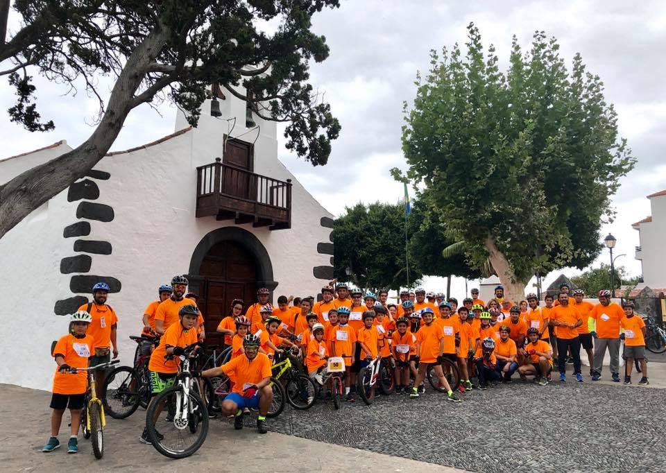La Fiesta de la Bicicleta de Breña Baja congrega a 200 personas en defensa de una vida sostenible